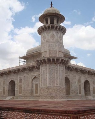 Agra: Itmad-Ud-Daulah zwany małym Tadź Mahal