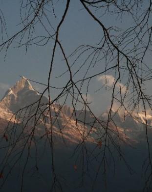 widok na Machapuchhare 6,993 m  z okolic Pokhary