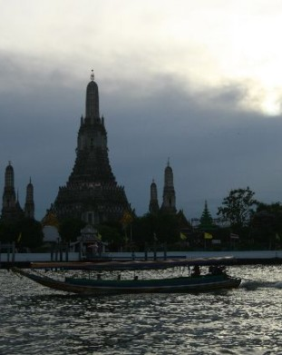 Wat Arun – Świątyni a Świtu, najstarsza w Bangkoku