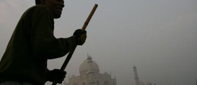 Agra - widok z rzeki Jamuna na Tadź Mahal