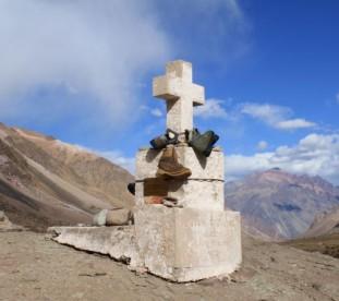 Puente del Inca - cmentarz andynistów