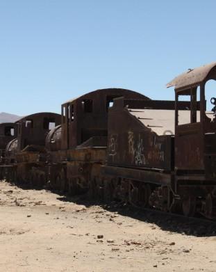 Salar de Uyuni - cmentarzysko parowozów