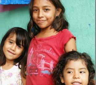 Santa Elena – dziewczynki na bazarze