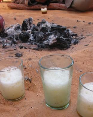Geste mleko Tuaregow to podstawa wsrod napojow - om tramping klub