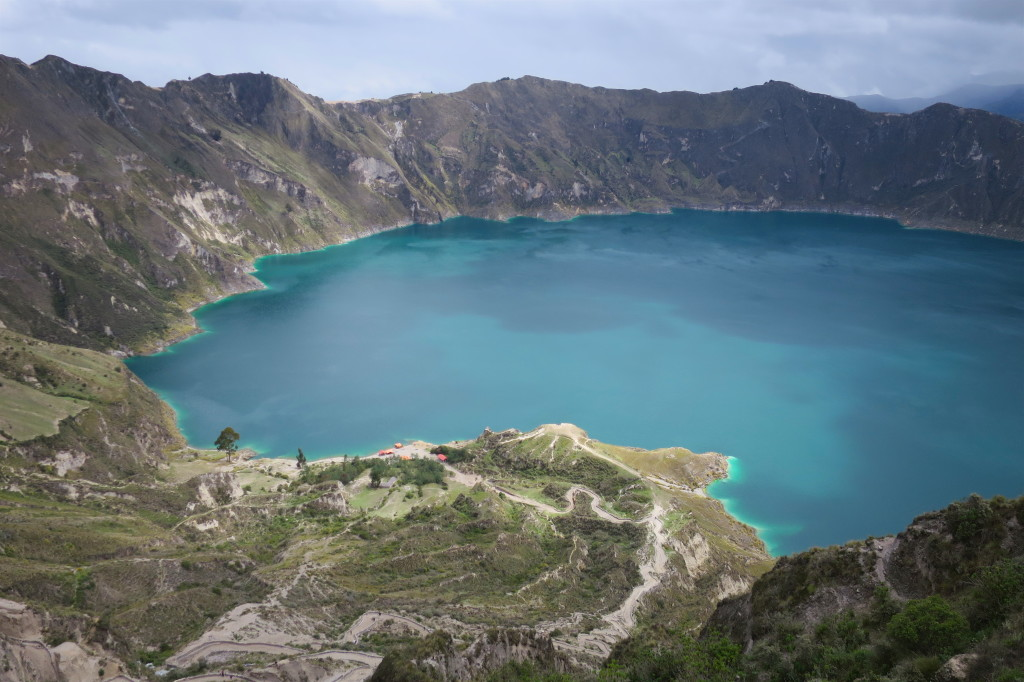 Laguna Quilotoa - kaldere wypelnia piekne jezioro_Ekwador z Om Tramping Klub
