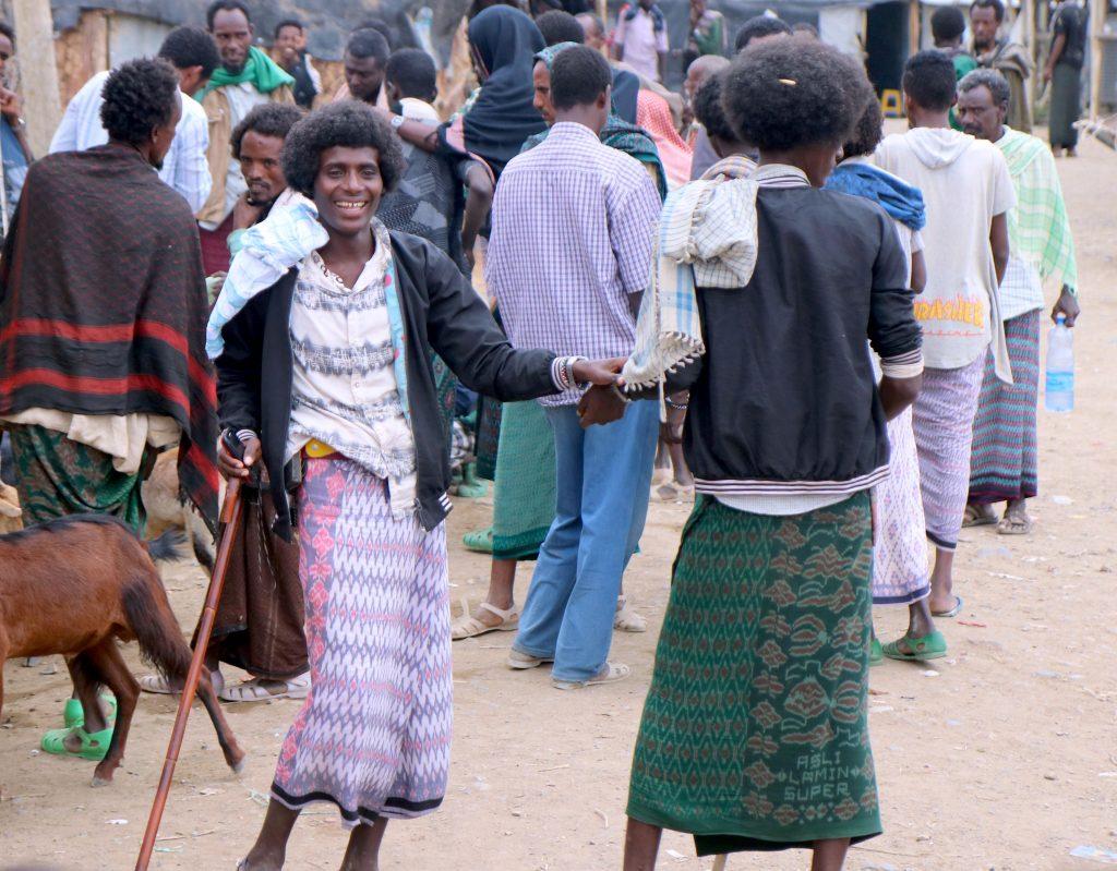 Afarowie z Etiopii - spotkania w Danakilu na targu