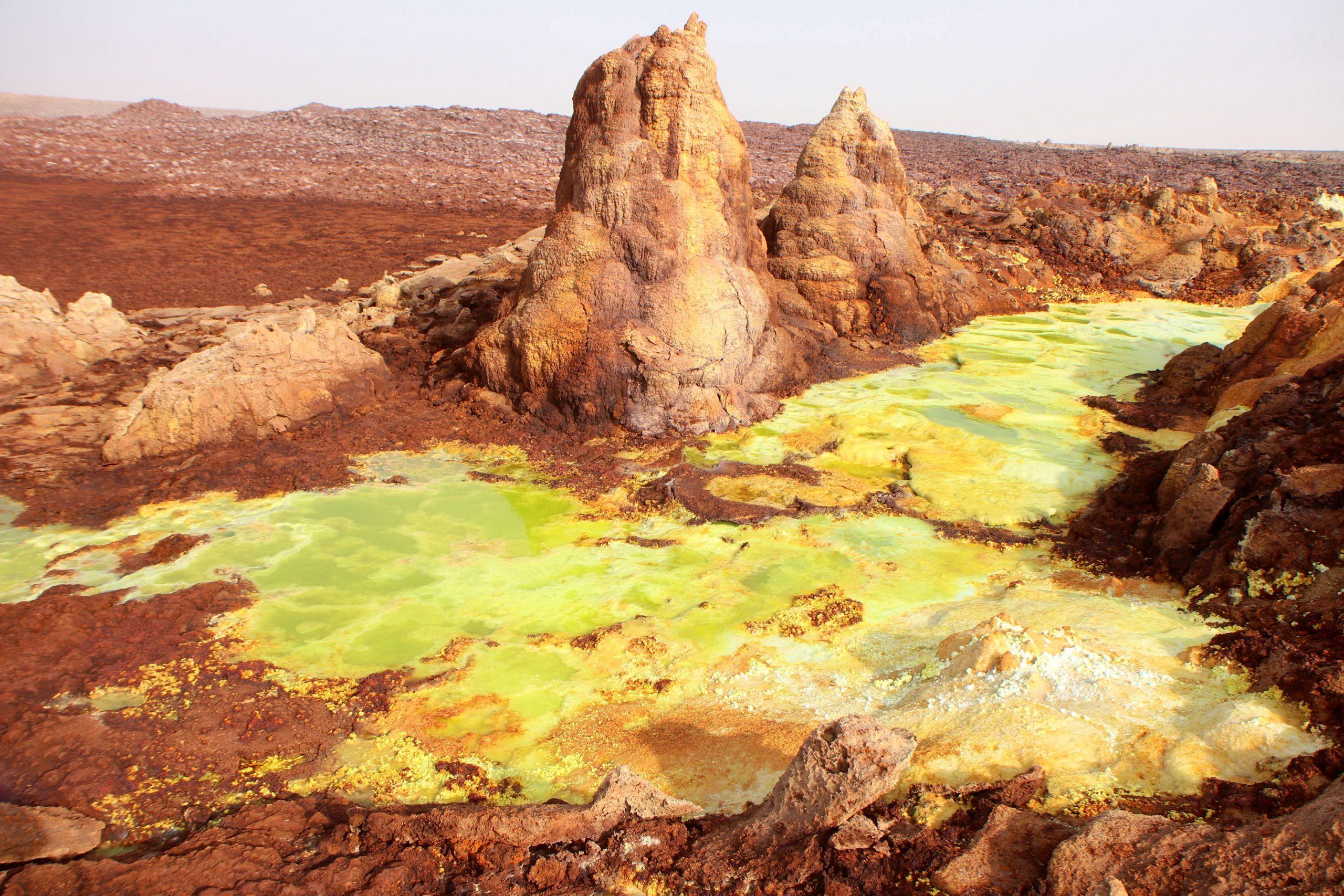 Dallol – nagoretszy rejon pustyni Danakilskiej, polozony w depresji okolo 100 metrow pod poziomem morza
