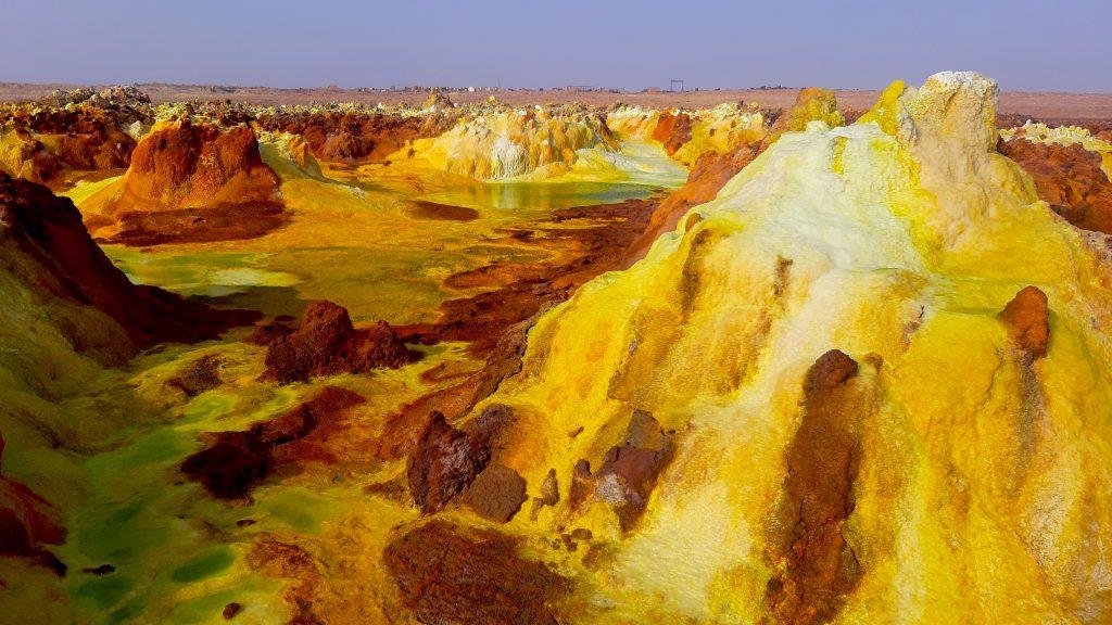 Zjawiskowe solniska na pustyni Danakilskiej w Etiopii