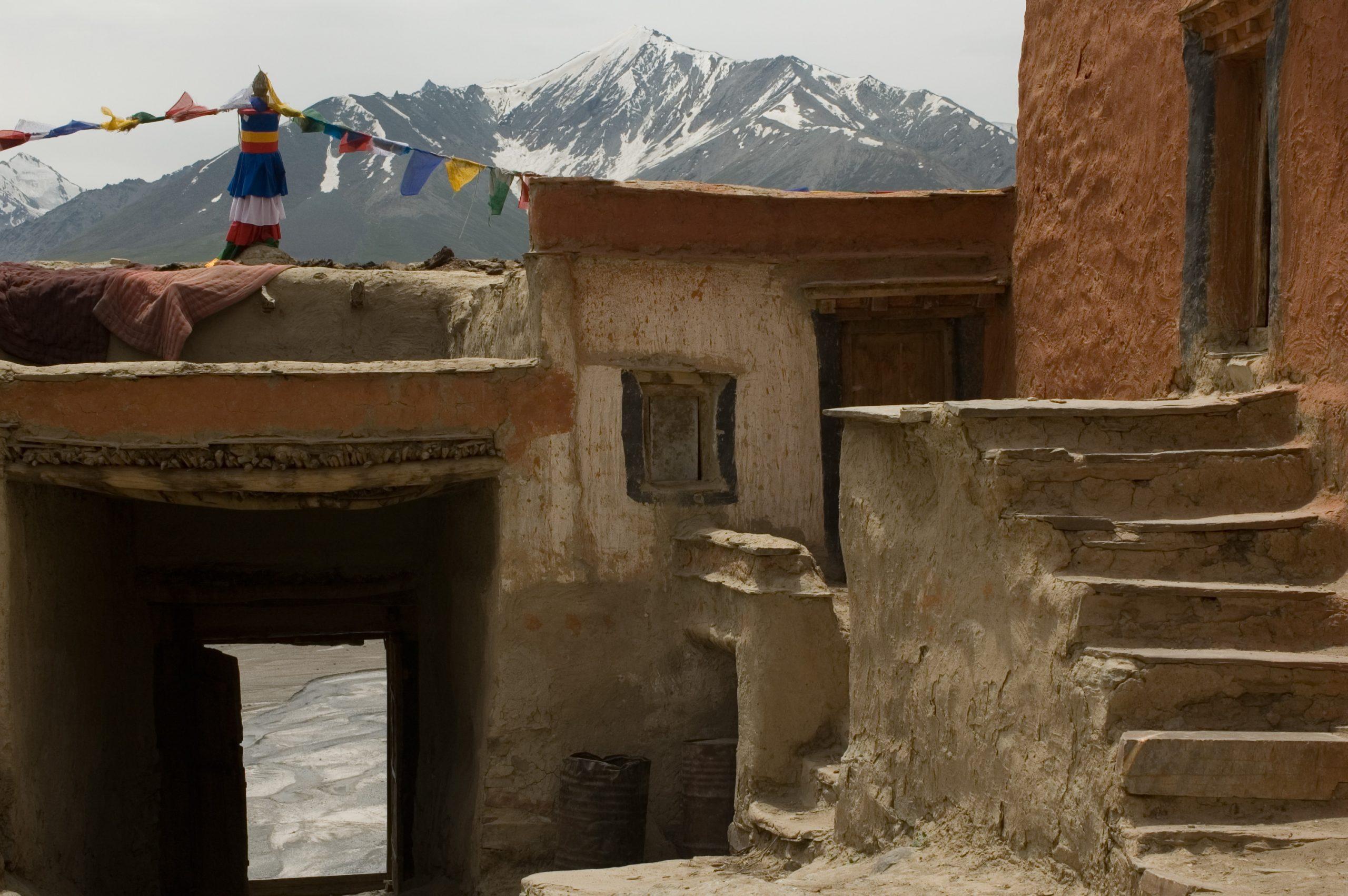 W drodze do Zanskaru - stary klasztor w Himalajach