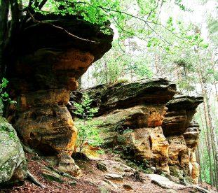 wyprawa Góry Świętokrzyskie - skalne miasta i prehistoria