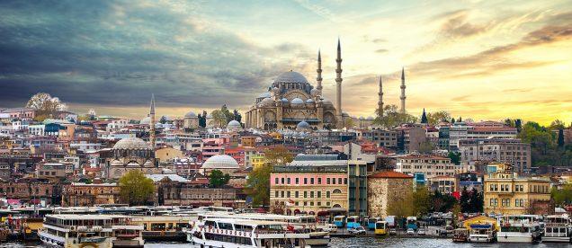 Panorama Stambułu z meczetem Hagia Sophia